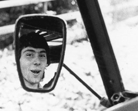 Giancarlo Siani nello specchietto della sua macchina