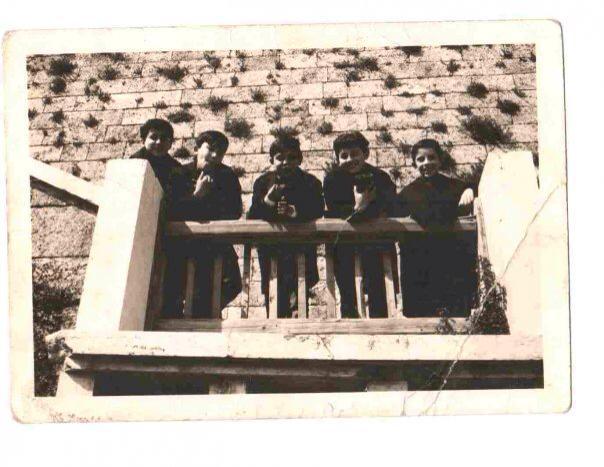 Gianfranco Aloe è il primo a sinistra