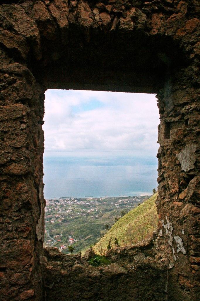 Il panorama da una delle finestre del Monastero di S. Maria di Monte Persano