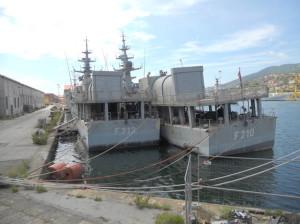 Le due corvette militari commissionate nel 1980 da Saddam Hussein a Fincantieri possono salpare verso l'Iraq, erano rimaste ormeggiate all'Arsenale di La Spezia a seguito dell'embargo deciso dall'Onu dopo l'invasione del Kuwait.