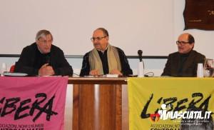 Al tavolo con Don Ciotti e il procuratore di Reggio Cafiero De Raho
