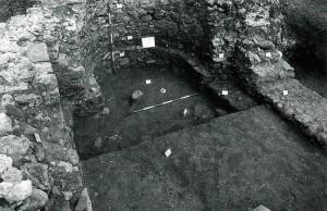 Abside sinistra dell'antica Chiesa, da un saggio di scavo del 1995