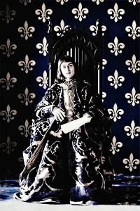 """Simon Larvaron interpreta Carlo VII di Vaolis nella serie tv """"I Brogia"""". Il sovrano francese fu l'ultimo della sua stirpe."""