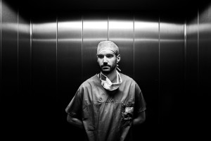 """Davide Luppi, medico a Kabul, fotografato per """"Destination Hope"""" un progetto dedicato ai viaggi della speranza"""