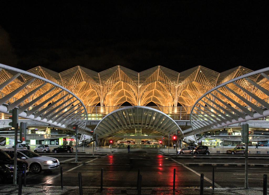 La stazione di Gare do Oriente, progettata da Santiago Calatrava - Lisbona