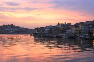 La città di Porto sul fiume Douro