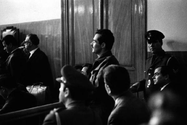 Alekos Panagulis depone nel tribunale militare di Atene