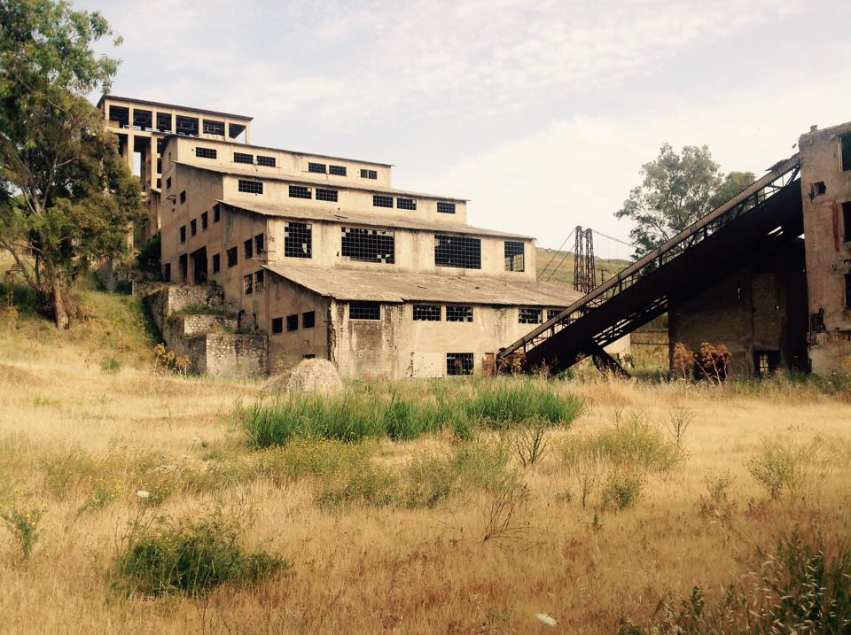 L'impianto di flottazione della miniera Trabia Tallarita al confine tra il territorio di Sommatino e Riesi, in provincia di Caltanissetta