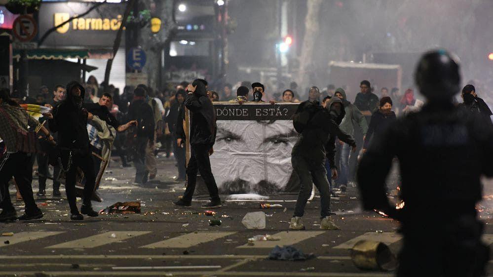 Le proteste per Santiago Maldonado sono statnet anche teatro di scontri e repressione